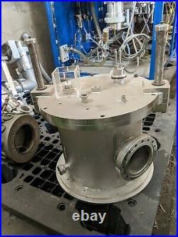 Custom vacuum chamber suited for reflow soldering, resistance sealing