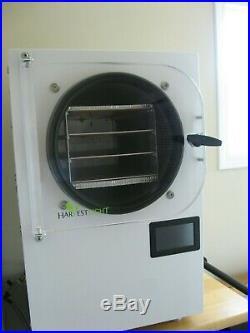 Harvest Right Small Freeze Dryer & Vacuum Pump
