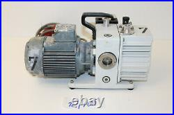 Leybold Trivac S4A Vakuumpumpe Unterdruckpumpe Drehschieberpumpe 12/105