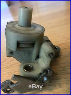 Vacuum Control Mercedes At 300d 300cd 300sd 300td W123 W126 123 070 00 46