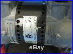 Vakuumpumpe / Kompressor Thomas Pumpe 2650CHI37-758 A 1,9A 220V Inkl. Rechnung