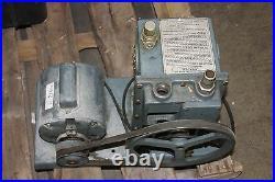 Welch 1402 Duo Seal Vacuum Pump Working
