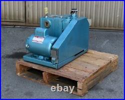 Welch Duoseal 1376 Vacuum Pump 1 HP, 1725 RPM, 115/230 V, 1 PH